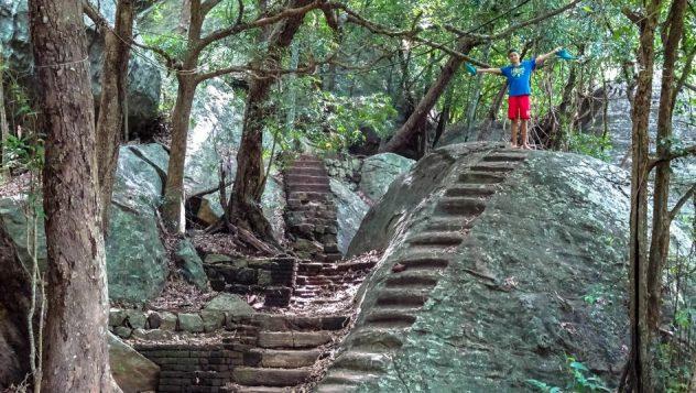 Prorider Trip Sri Lanka Frumusețe Dambula Sigiria temple în pădure