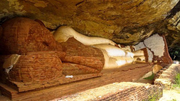 Prorider Trip Sri Lanka Beauty Dambulla Buddha Temple Near Sigiriya