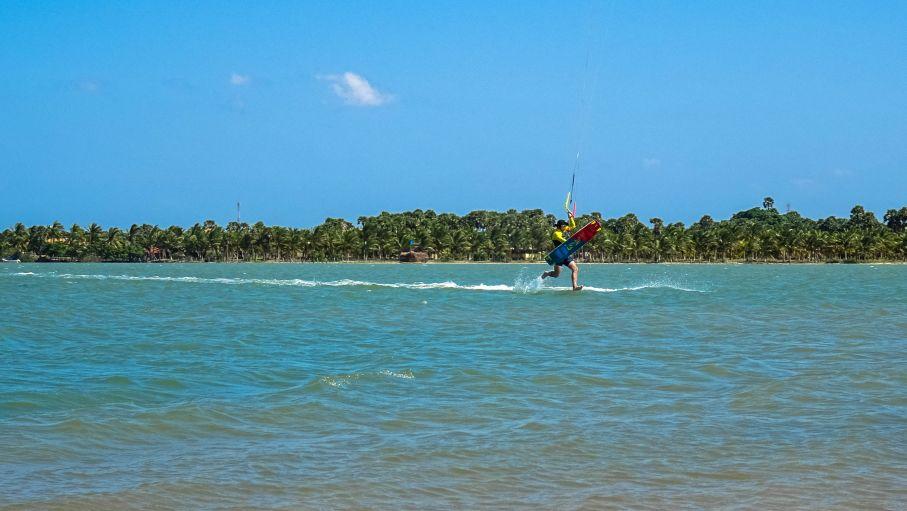 Prorider Trip Sri Lanka Kite Spot Kalpitiya Insula Vella trucuri de zmeu în laguna Kalpitiya