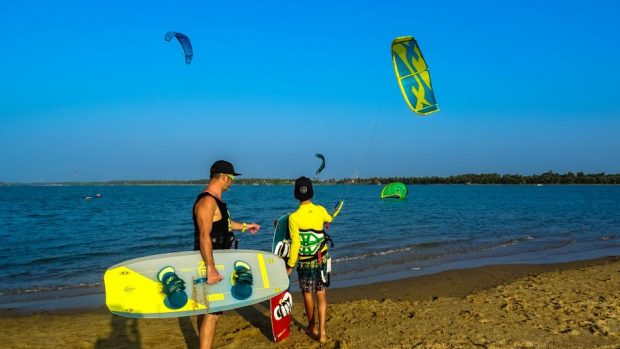 Prorider Trip School Kite Sri Lanka Kalpitiya Lagoon Kiters